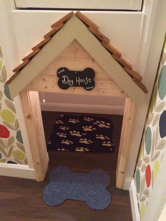 10 Incredible Under The Stairs Dog Bedrooms - Pawsify